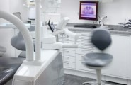 Behandlungszimmer Zahnarztpraxis Dr. Brigitte Simon Stuttgart